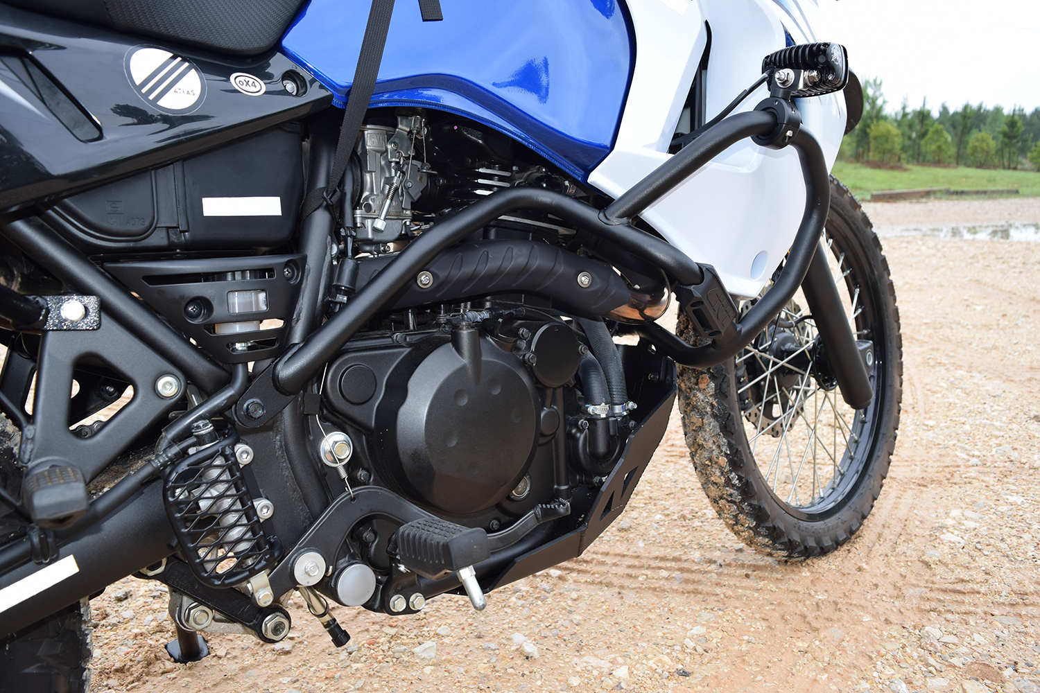 Adventure riding and the venerable klr 650 outdoorx4 the engine body plastic around the fuel tank and the rear brake cylinder also need protection for the engine and body plastic i decided on givi usas sciox Image collections